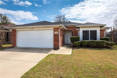 Arlington Single Family Home For Sale: 5815 Clarion Trail
