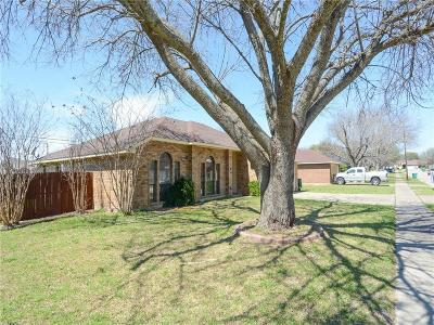 Cedar Hill Single Family Home For Sale: 912 Blewitt Drive