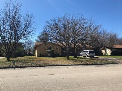 Burleson TX Single Family Home For Sale: $122,000