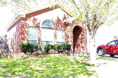 Fort Worth Single Family Home For Sale: 7340 Rock Garden Trail