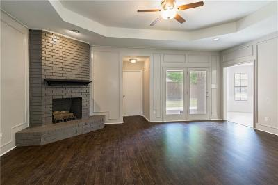 Grapevine Single Family Home For Sale: 2104 Steeplewood Drive