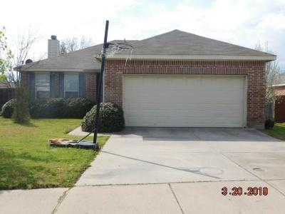 Dallas, Fort Worth Single Family Home For Sale: 7045 Lindentree Lane
