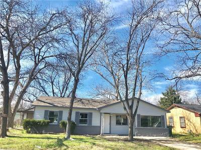Arlington Single Family Home For Sale: 1530 Daniel Drive