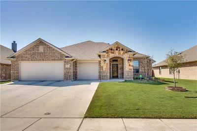 Saginaw Single Family Home For Sale: 681 Fossil Wood Drive