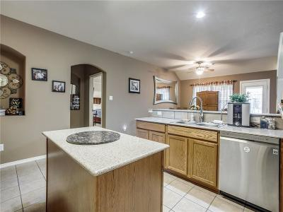 Saginaw Single Family Home For Sale: 921 Virginia Lane