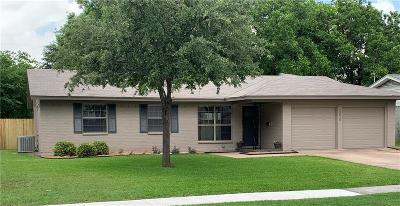 Farmers Branch Single Family Home For Sale: 13615 Janwood Lane