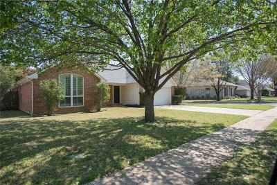 Grapevine Single Family Home For Sale: 4117 Meadow Drive