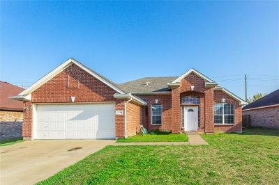 Grand Prairie Single Family Home For Sale: 2454 Lost Mesa
