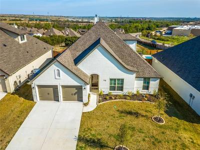 Benbrook Single Family Home Active Option Contract: 304 Bluffside Trail