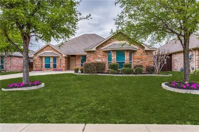 Lewisville Single Family Home For Sale: 1541 Elika Court
