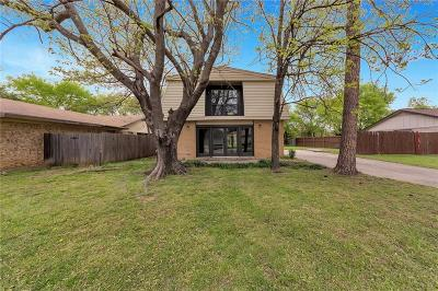 Lake Dallas Single Family Home For Sale: 1009 Kings Manor Drive