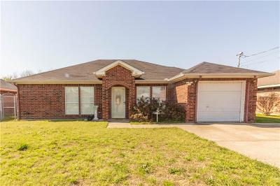 Kaufman Single Family Home Active Contingent: 1304 Melody Circle