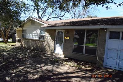 Everman Single Family Home For Sale: 637 Christie Court