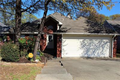 Fort Worth Single Family Home For Sale: 1617 Morrison Drive