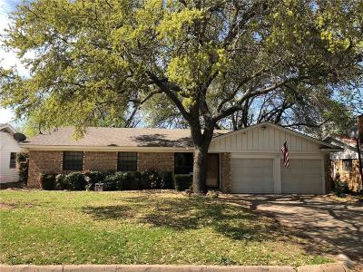 Burleson Single Family Home For Sale: 305 NW Jayellen Avenue