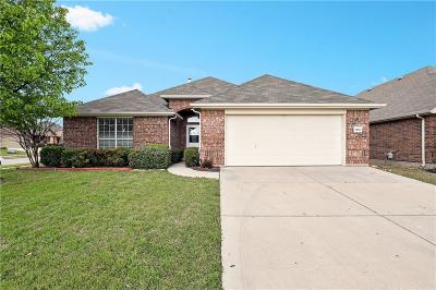 Fort Worth Single Family Home For Sale: 7401 Gairlock Drive
