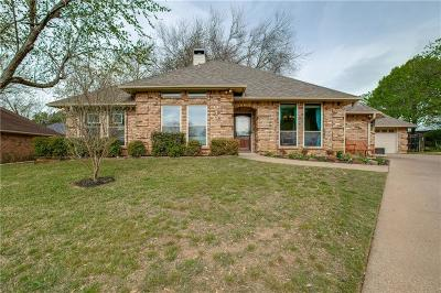 Grapevine Single Family Home Active Contingent: 1040 Steeplewood Drive