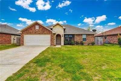 Kaufman Single Family Home For Sale: 2005 Melody Circle