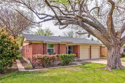Richardson Single Family Home Active Contingent: 534 Royal Crest Drive