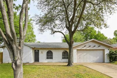 Hurst Single Family Home For Sale: 220 Shady Lake Drive