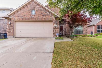 Fort Worth Single Family Home For Sale: 2217 Deniro Drive