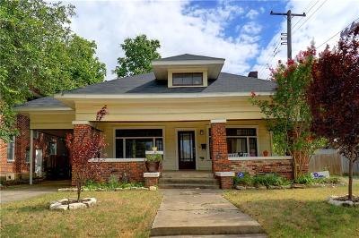 Fort Worth Single Family Home For Sale: 721 W Powell Avenue