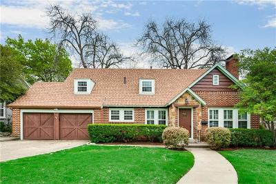 Arlington Heights Single Family Home For Sale: 4209 Pershing Avenue