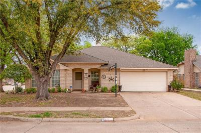 Grand Prairie Single Family Home Active Option Contract: 4902 Oak Hollow Drive