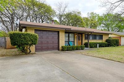 Hurst Single Family Home Active Contingent: 312 Simmons Drive