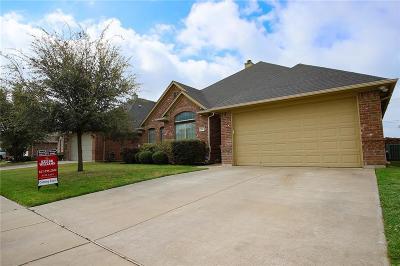 Burleson Single Family Home For Sale: 331 Tioga Street