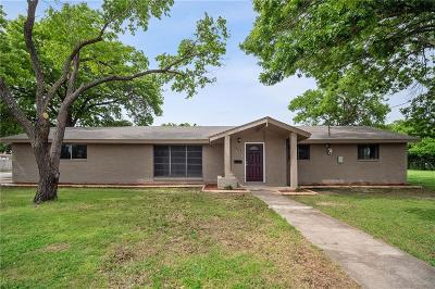 Grand Prairie Single Family Home For Sale: 1834 Spikes Street