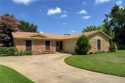 North Richland Hills Single Family Home For Sale: 5525 Topper Court