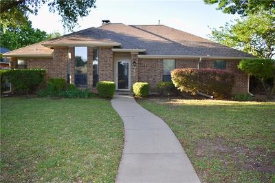 Coppell Single Family Home For Sale: 842 Meadowglen Circle