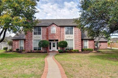 Kennedale Single Family Home Active Kick Out: 1003 Colonial Court