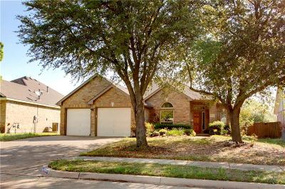 Grand Prairie Single Family Home For Sale: 5756 Palomino Way