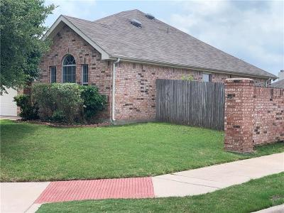 Burleson Single Family Home For Sale: 1133 Emerson Drive