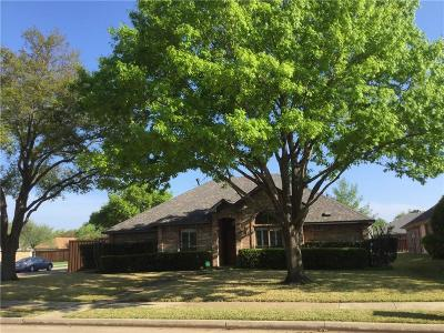Single Family Home For Sale: 2001 Greenstone Trail