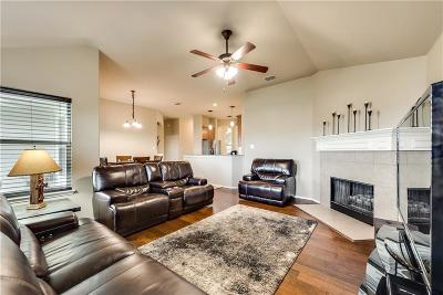 Fort Worth Single Family Home For Sale: 15624 Gatehouse Drive