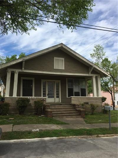 Single Family Home For Sale: 223 E Cherry
