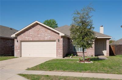 Fort Worth Single Family Home For Sale: 8637 Gray Shale Drive
