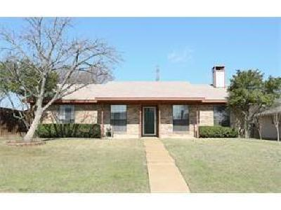 Plano Single Family Home For Sale: 737 Middle Cove Drive