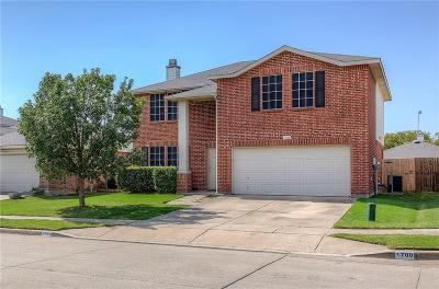 Fort Worth Single Family Home For Sale: 1700 Arbuckle Drive