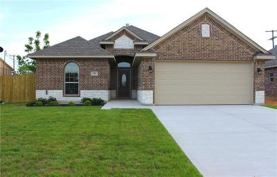 Burleson Single Family Home Active Contingent: 125 Springtide Drive