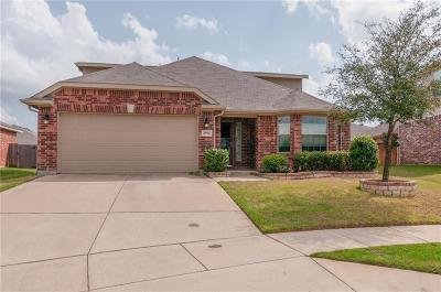 Fort Worth Single Family Home For Sale: 4504 Red Robin Court