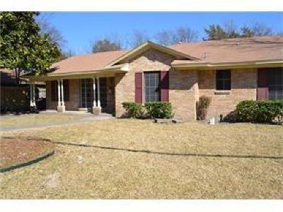 Desoto Single Family Home For Sale: 217 Woodhaven Drive
