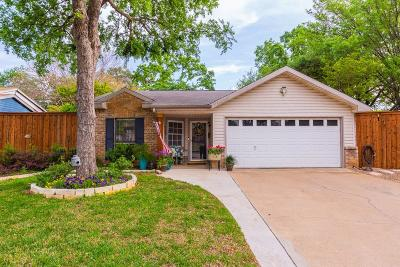 Tarrant County Single Family Home For Sale: 515 Westover Drive