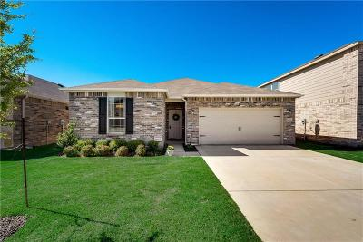 Fort Worth Single Family Home For Sale: 2400 Simmental Road