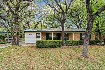 Azle Single Family Home For Sale: 900 Red Bud Drive