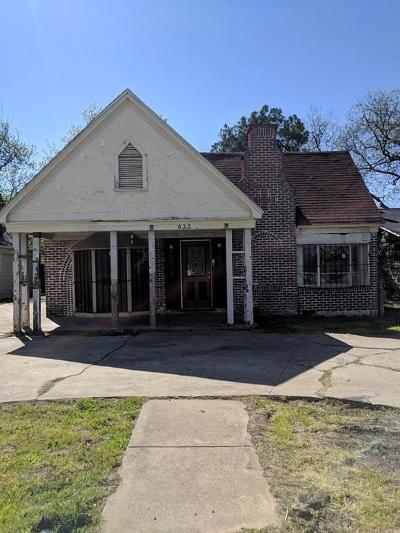 Fort Worth Single Family Home For Sale: 622 S Oakland Boulevard