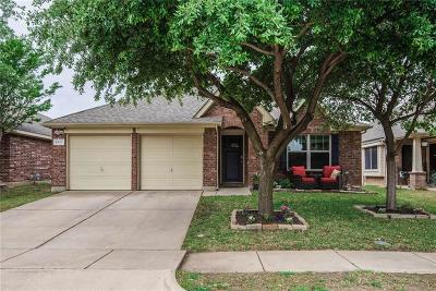 Fort Worth Single Family Home For Sale: 4933 Ambrosia Drive